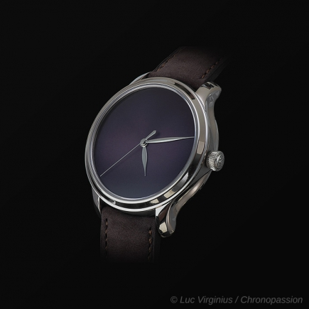 H Moser & Cie - ENDEAVOUR CENTRE SECONDS CONCEPT PURPLE HAZE
