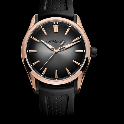 H Moser & Cie - PIONEER CENTRE SECONDS
